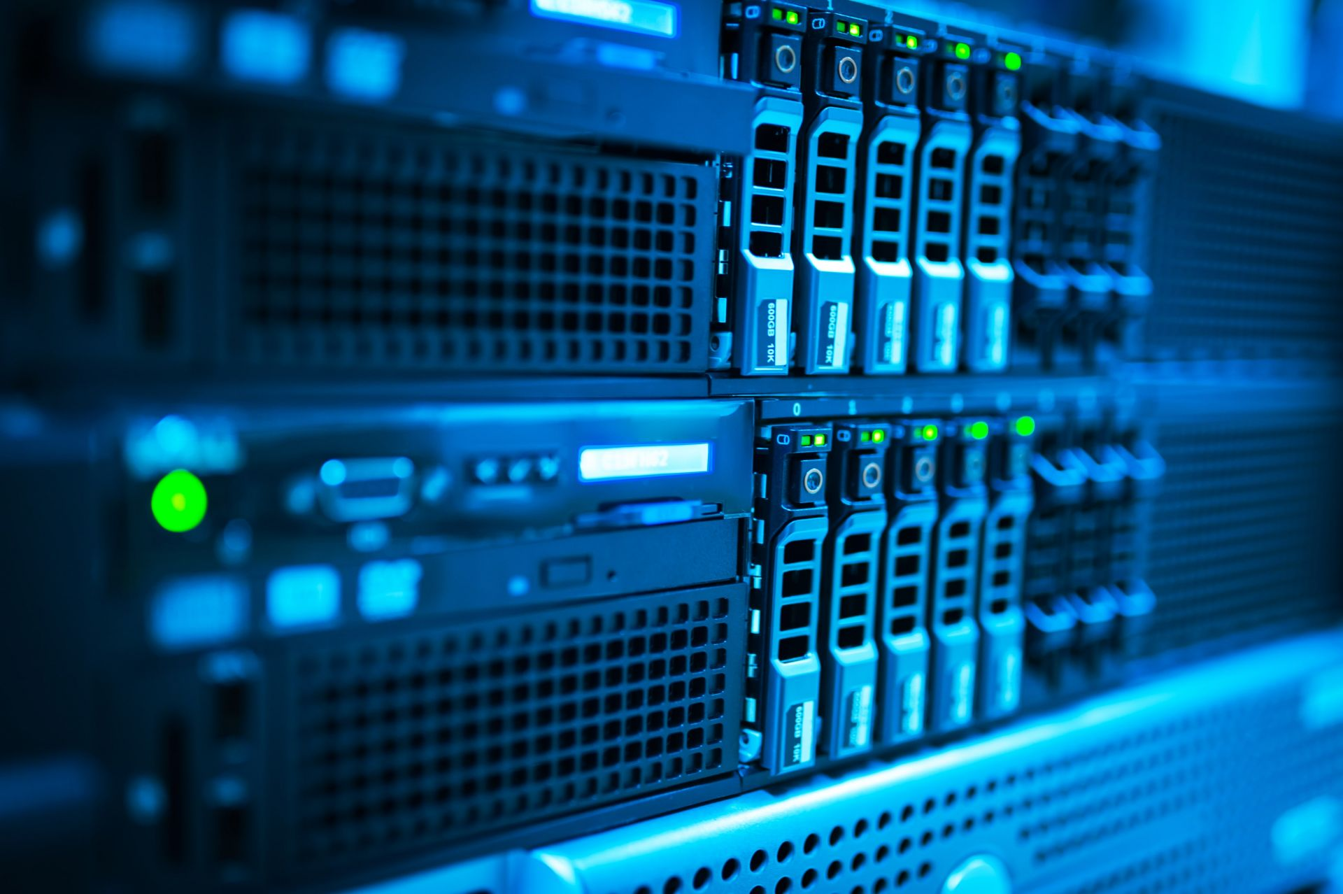 5 Advantages Of Availing Dedicated Hosting Services